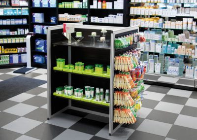Compacte lamellendisplay in een apotheek